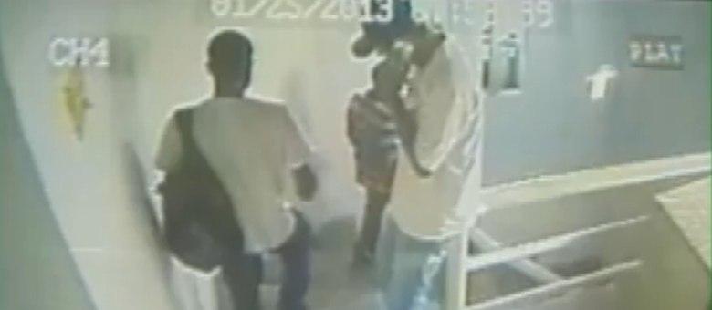 A polícia analisou as imagens do roubo, mas ainda não tem pistas dos assaltantes