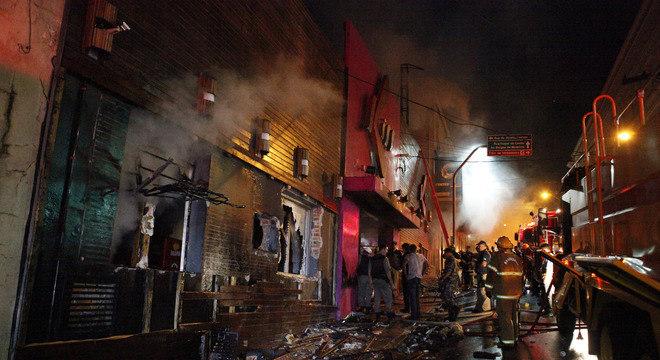 Incêndio em boate de Santa Maria deixou ao menos 231 pessoas mortas