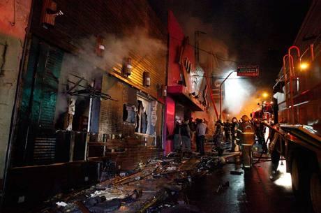 Incêndio deixou 242 mortos em janeiro de 2013
