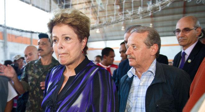 Presidente Dilma Rousseff é acompanhada pelo governador Tarso Genro na visita às famílias das vítimas da tragédia