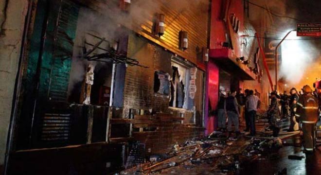 Incêndio aconteceu na madrugada do último domingo e, até o momento, matou 235 pessoas