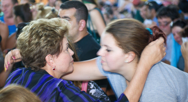 Dilma esteve hoje em Santa Maria, onde conversou com parentes das vítimas e feridos na tragédia