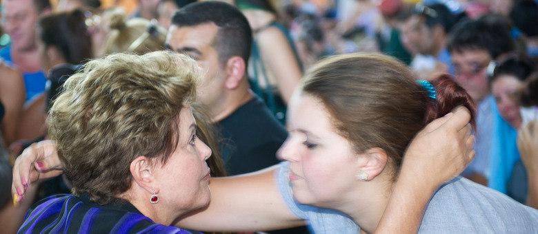 Dilma esteve em Santa Maria, onde conversou com parentes das vítimas e feridos na tragédia