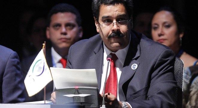 O vice-presidente venezualano, Nicolás Maduro, leu a carta de Chávez na plenária do encontro regional