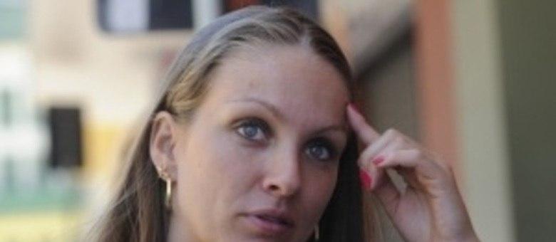 Mariana Magalhães conseguiu sair sem ferimentos e levou consigo cinco pessoas
