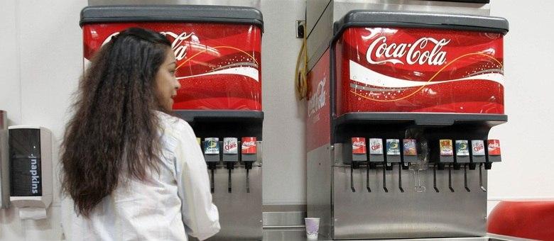 Nova legislação de Nova York controlará quantidade de açúcar nos refrigerantes