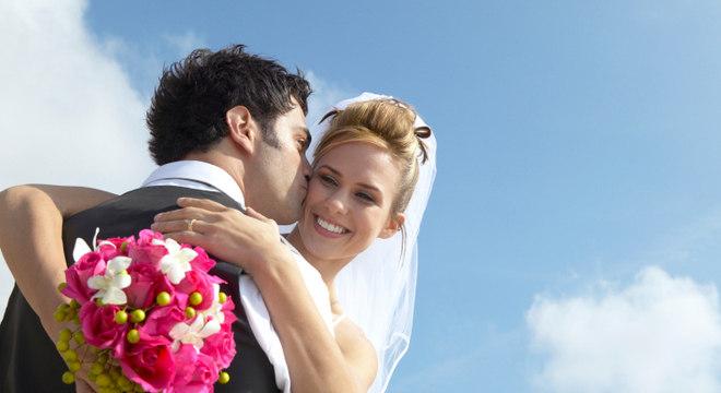 Novo estudo demonstrou que o casamento protege as mulheres até mais do que os homens de morrer de ataques cardíacos