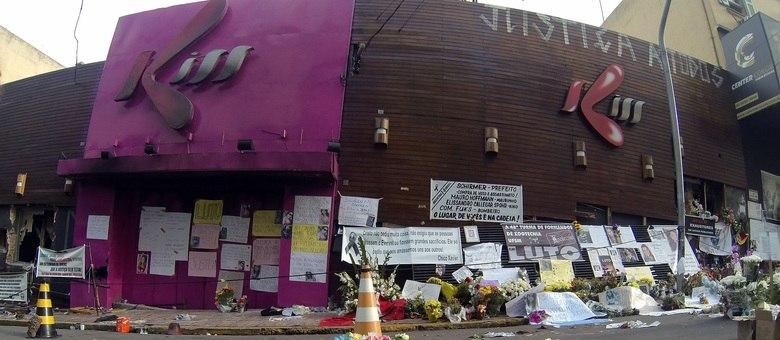 Tragédia em boate matou mais de 230 pessoas