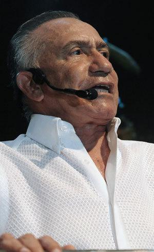 Candidato presidencial do Paraguai Lino Oviedo viajava em helicóptero que caiu