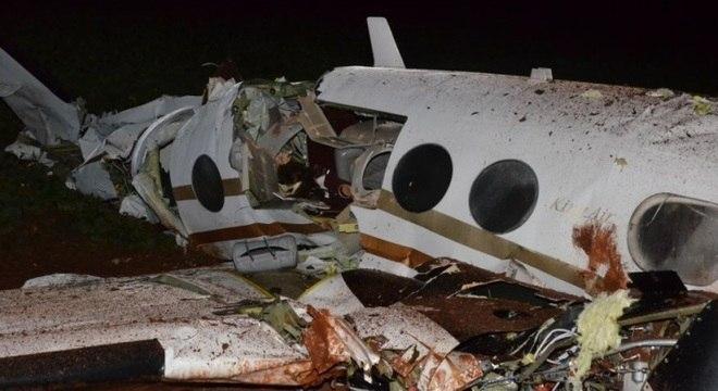 As cinco pessoas que ocupavam o avião morreram quando aeronave caiu em Cândido Mota