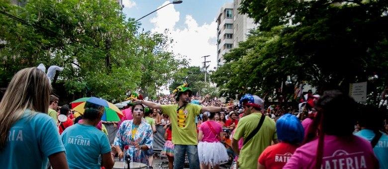 O bloco Sargento Pimenta, do Rio de Janeiro, desfilou este sábado nas ruas da Vila Madalena, zona oeste de São Paulo