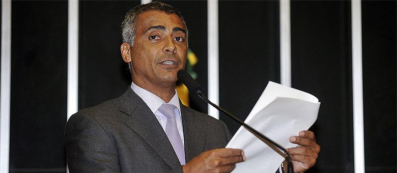 Deputado Romário lamentou que a Copa não esteja sendo planejada para o povo brasileiro