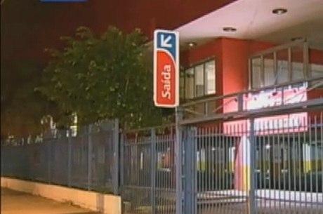 Hipermercado desligou os funcionários envolvidos no caso