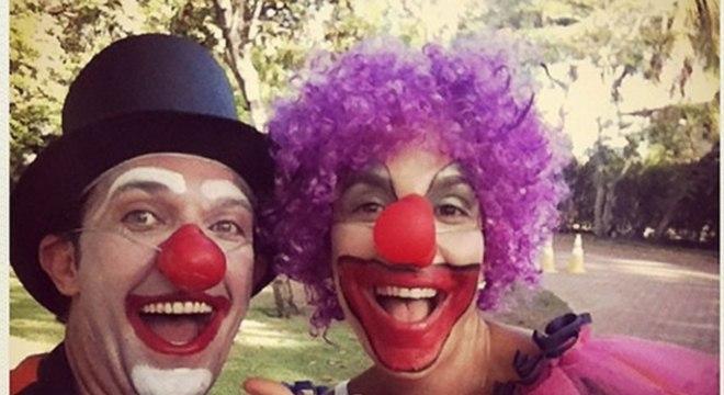 Ivete Sangalo se vestiu de palhaço e publicou foto nas redes sociais