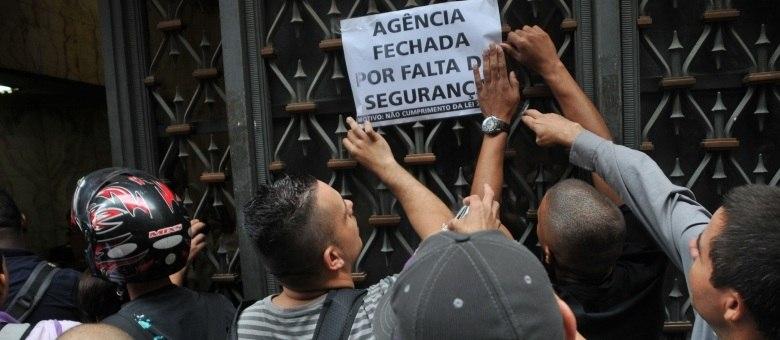 Agências bancárias ficam fechadas em São Paulo nesta sexta-feira (8) por causa da paralisação dos vigilantes