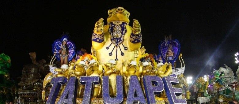 Acadêmicos do Tatuapé abriu os desfiles do Carnaval de São Paulo na noite desta sexta-feira (8)