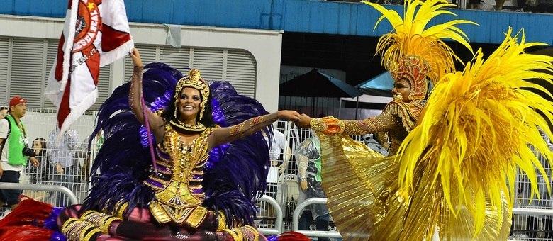 Escola de samba Dragões da Real trouxe para avenida histórias de dragão