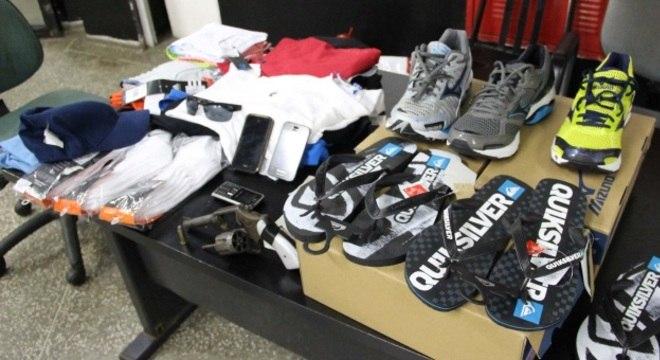 Polícia prende suspeito de crime e apreende produtos comprados com cartão das vítimas