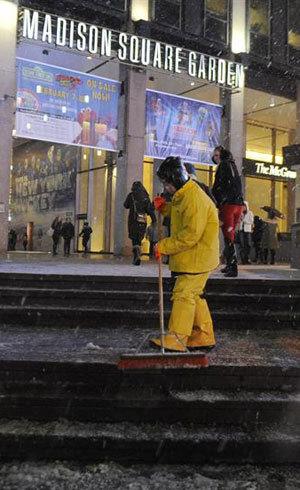 Nevasca cancela todos os voos de entrada e saída dos três principais aeroportos de Nova York