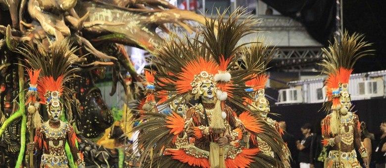 Agremiação é a última a desfilar no segundo dia de desfiles do Sambódromo do Anhembi