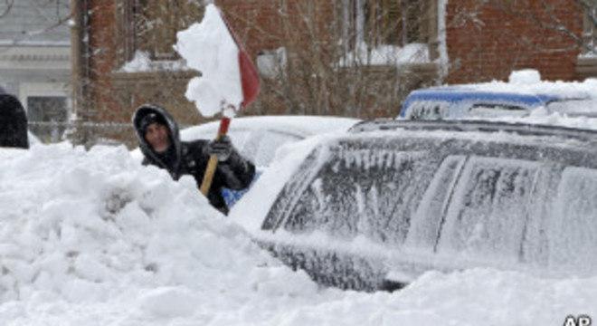 Autoridades americanas começam a contar os prejuízos causados pela forte tempestade de neve