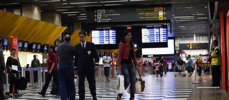Movimentação era tranquila na manhã desta segunda-feira (11) no aeroporto de Congonhas, na zona sul de São Paulo