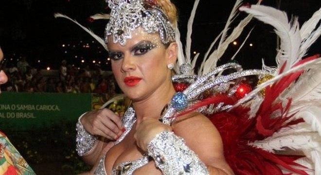 Mirella Santos ficou nervosa antes de entrar na Marquês de Sapucaí