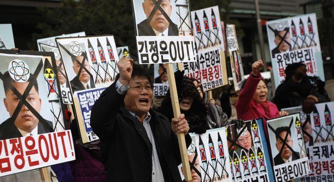 Seul: ativistas protestam pedindo o fim do regime de  Kim Jong-un na Coreia do Norte; país comunista confirma teste nuclear bem sucedido