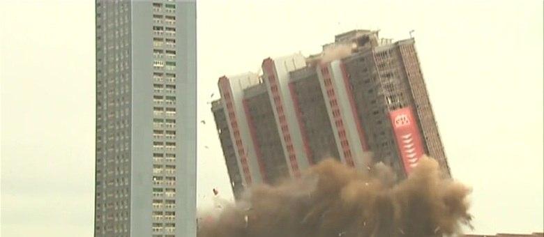 Empresa japonesa desenvolveu uma técnica de remover arranha-céus sem uso de explosivos