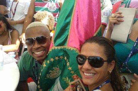 Marcella Alves e Raphael Rodrigues comemoram nota 10