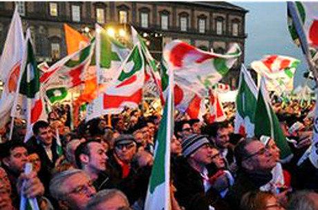 Partido de Berlusconi tem se saído bem entre as intenções de voto