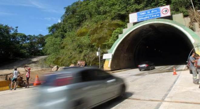 Túnel funcionava normalmente na manhã deste domingo (24) na Imigrantes