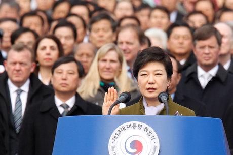 """Nova presidente prometeu uma política de compromisso com Pyongyang """"passo a passo"""""""