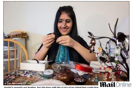 Aisha está feliz com o resultado da cirurgia. Ela vive hoje com uma família norte-americana