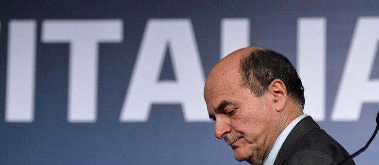 Pier Luigi Bersani, líder da coalização de centro-esquerda, reconheceu que a situação política e econômica do país é dramática