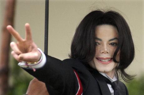 Faz 8 anos que o Michael Jackson morreu