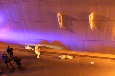 Corpos foram encontrados enrolados como múmias