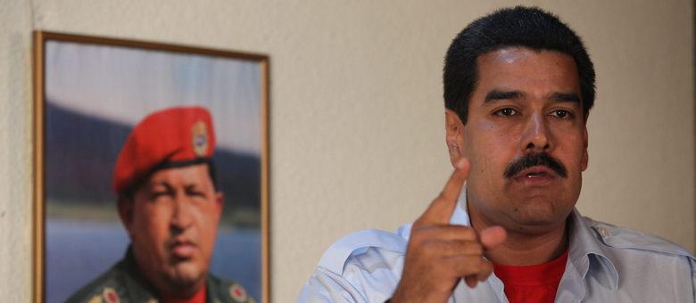 """Maduro afirmou que Capriles quer manchar com """"a violência, o sangue e a morte"""" dos venezuelanos a vitória """"cantada para o comandante Chávez"""" nas eleições de 14 de abril"""