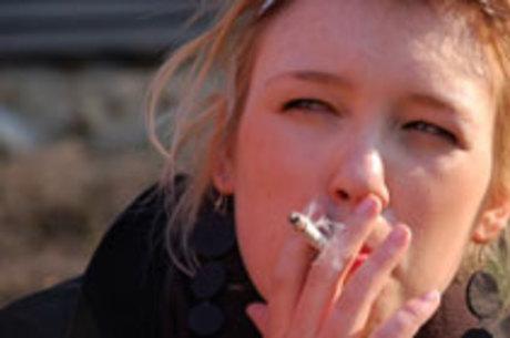 Prevalência do tabagismo caiu cerca de 50% no Brasil