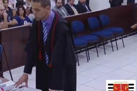 Promotor Rodrigo Merli falou por pouco mais de uma hora aos jurados