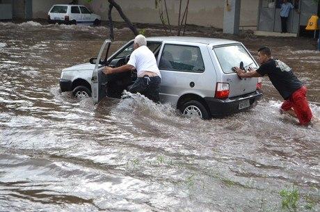 Enchentes em São Paulo afetam a economia do País, diz estudo