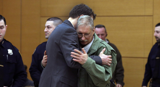 David Ranta ficou muito emocionado ao ser declarado inocente, depois de passar 23 anos na prisão