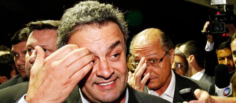 Aécio e Alckmin chegaram juntos ao Congresso do PSDB em São Paulo. Serra não participou do evento porque estava nos EUA
