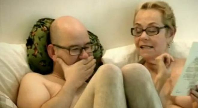 Christian Clive, virgem aos 45 anos, tenta perder o medo de intimidade com a terapeuta sexual Cheryl Cohen-Green