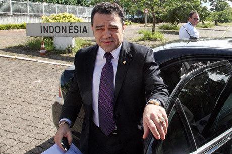 Feliciano suspende sessão após confusão com polícia da Câmara nesta quarta
