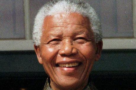 O ex-presidente da África do Sul Nelson Mandela encara nesta terça-feira (25) seu terceiro dia de hospitalização em estado crítico