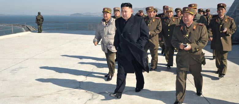 Na última sexta-feira (29), o líder da Coreia do Norte, Kim Jong-un, assinou uma ordem que colocava suas unidades de mísseis preparadas para um ataque às bases militares dos Estados Unidos no Sul