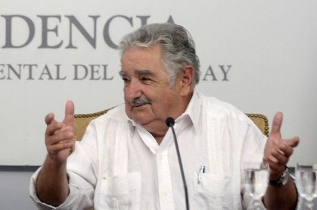 O mandatário não se deu conta que foi ouvido e que sua fala havia sido transmitida ao vivo pelo site da Presidência uruguaia