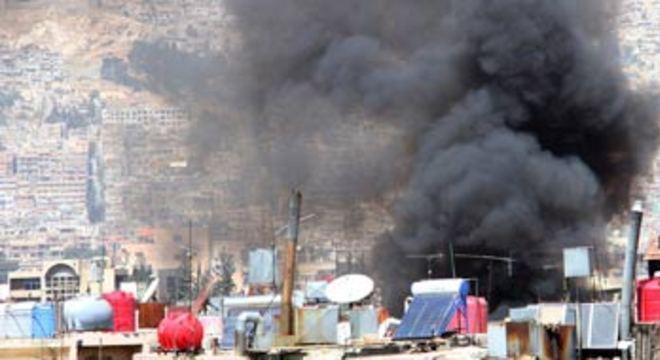 Pelo menos 15 pessoas, incluindo nove crianças, morreram em um bombardeio na cidade de Aleppo