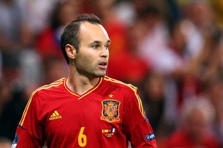 5bb4f81114 Eliminatórias  Espanha corta Iniesta e Morata e anuncia substitutos ...
